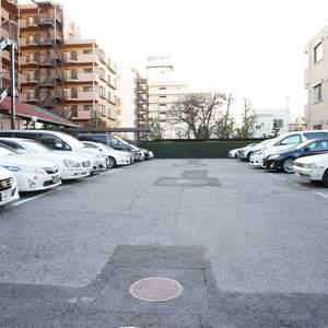 パシフィック小豆沢の駐車場