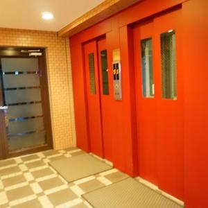 パシフィック小豆沢のエレベーターホール、エレベーター内