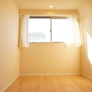 入谷アムフラット2(6階,4780万円)の洋室(3)