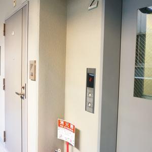 グランベル上野の杜(2階,)のフロア廊下(エレベーター降りてからお部屋まで)
