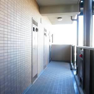 朝日シティパリオ三ノ輪(5階,)のフロア廊下(エレベーター降りてからお部屋まで)