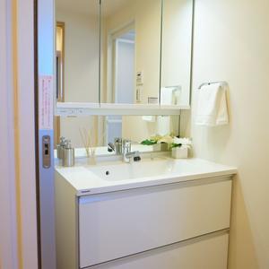 朝日シティパリオ三ノ輪(5階,2880万円)の化粧室・脱衣所・洗面室