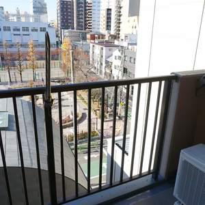 朝日シティパリオ三ノ輪(5階,2880万円)のバルコニー