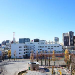 朝日シティパリオ三ノ輪(5階,2880万円)のお部屋からの眺望