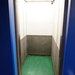 越前堀永谷マンションのエレベーターホール、エレベーター内