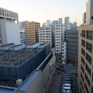 越前堀永谷マンション(12階,)のフロア廊下(エレベーター降りてからお部屋まで)