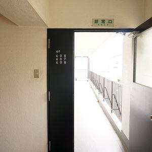 秀和富士見町レジデンス(4階,3780万円)のフロア廊下