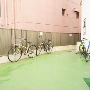 秀和富士見町レジデンスの駐輪場