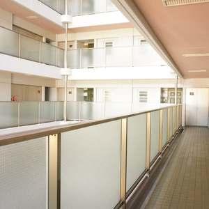 西戸山タワーホウムズノースタワー(15階,6790万円)のフロア廊下