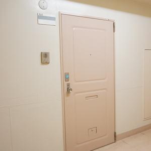 ライオンズマンション南平台(5階,5980万円)のフロア廊下