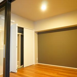 ライオンズマンション南平台(5階,5980万円)の洋室(2)