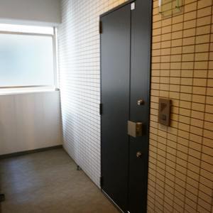 アクサスフォート両国立川(2階,)のフロア廊下(エレベーター降りてからお部屋まで)