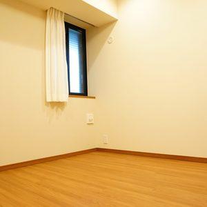 プラウド中野本町(1階,7680万円)の洋室