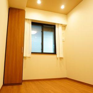 プラウド中野本町(1階,7680万円)の洋室(2)