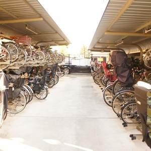 プラウド中野本町の駐輪場