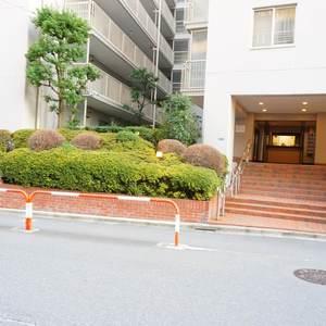 神楽坂ハウスのマンションの入口・エントランス