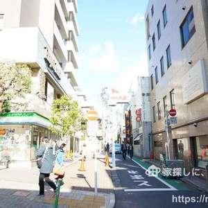 神楽坂ハウスの最寄りの駅周辺・街の様子