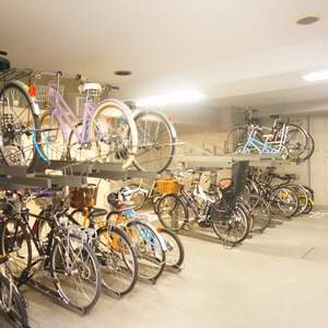 ファミール東銀座グランスイートタワーの駐輪場