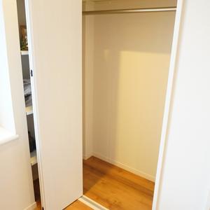 ライオンズヴィアーレ幡ヶ谷(4階,4880万円)の洋室