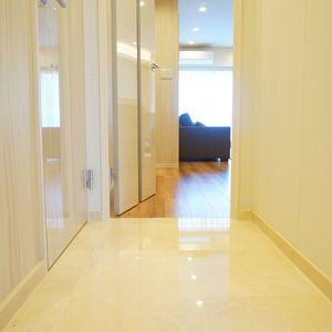 ライオンズヴィアーレ幡ヶ谷(4階,4880万円)のお部屋の廊下