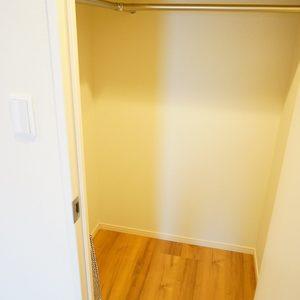 ライオンズヴィアーレ幡ヶ谷(4階,4880万円)の洋室(2)