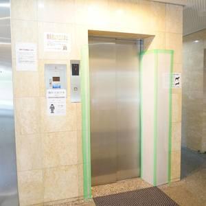 ライオンズガーデン幡ヶ谷のエレベーターホール、エレベーター内