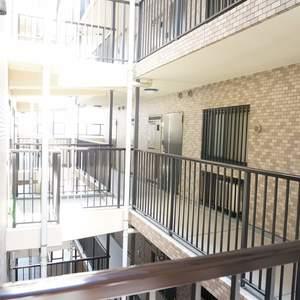 ライオンズガーデン幡ヶ谷(4階,)のフロア廊下(エレベーター降りてからお部屋まで)