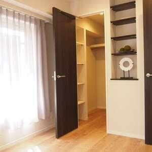サンビューハイツ渋谷(6階,7380万円)の洋室(2)