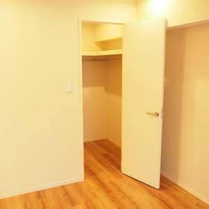 サンビューハイツ渋谷(2階,6280万円)の洋室