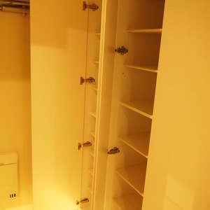 サンビューハイツ渋谷(2階,6280万円)のお部屋の玄関