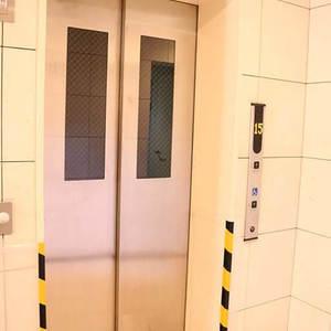 ブランズ文京本駒込のエレベーターホール、エレベーター内