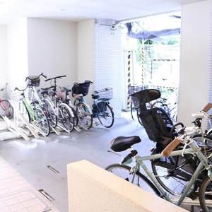 ブランズ文京本駒込の駐輪場