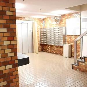 ライオンズマンション駒込第2のエレベーターホール、エレベーター内