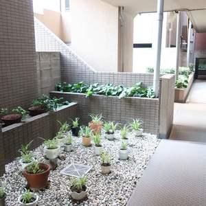 コスモ錦糸町グランシティの共用ロビー