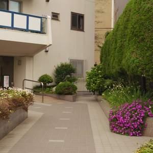 中野パークハウスのマンションの入口・エントランス