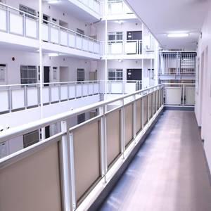 朝日白山マンション(3階,)のフロア廊下(エレベーター降りてからお部屋まで)