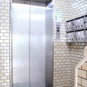 ウェルシャン白山のエレベーターホール、エレベーター内