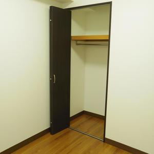 スターロワイヤル中野(1階,6580万円)のクローゼット