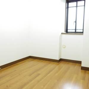 スターロワイヤル中野(1階,6580万円)の納戸