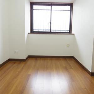 スターロワイヤル中野(1階,6580万円)の洋室