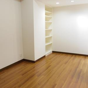 スターロワイヤル中野(1階,6580万円)の洋室(2)
