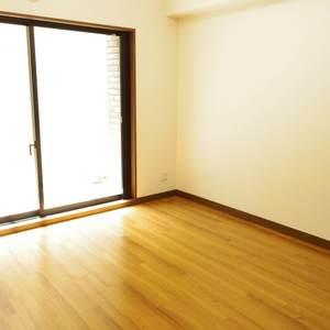 スターロワイヤル中野(1階,6580万円)の洋室(3)