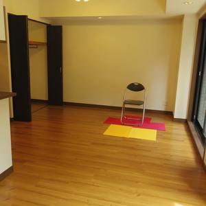 スターロワイヤル中野(1階,6580万円)の居間(リビング・ダイニング・キッチン)
