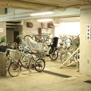 トーア駒込マンションの駐輪場