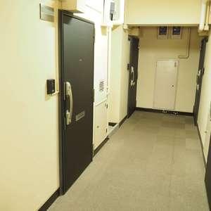 常盤松葵マンション(6階,2800万円)のお部屋の玄関