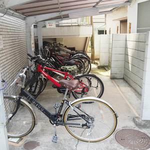 シャトー青山第3の駐輪場