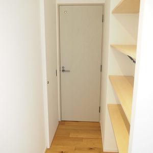 シャトー青山第3(7階,)のお部屋の廊下