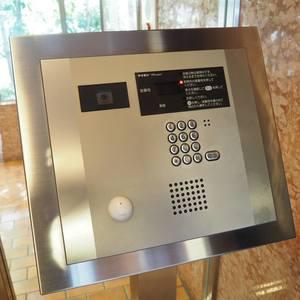 シャトー青山第3のマンションの入口・エントランス