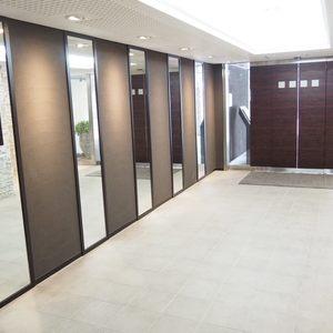 ルイマーブル乃木坂のマンションの入口・エントランス