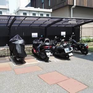 ルイマーブル乃木坂の駐輪場